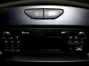 Renault Clio IV 1.2 Authentique 5-Door - Image 21