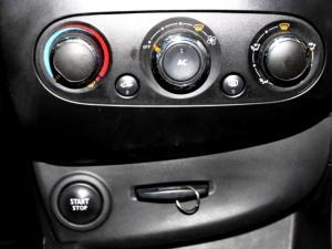 Renault Clio IV 1.2 Authentique 5-Door - Image 22