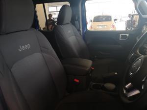 Jeep Wrangler Unltd Sahara 3.6 V6 - Image 6