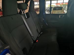 Jeep Wrangler Unltd Sahara 3.6 V6 - Image 8
