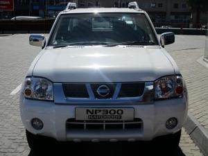 Nissan Hardbody NP300 2.4i 4X4D/C - Image 2