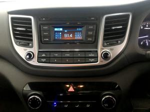 Hyundai Tucson 2.0 Premium automatic - Image 16