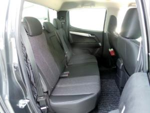 Isuzu KB 300D-Teq double cab LX auto - Image 7