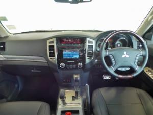Mitsubishi Pajero 5-door 3.2DI-D GLS - Image 8