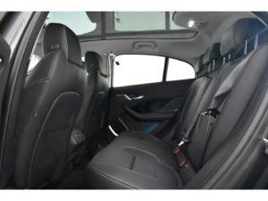 Jaguar I-Pace EV400 AWD HSE - Image 9