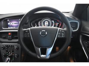 Volvo V40 T4 Inscription auto - Image 10