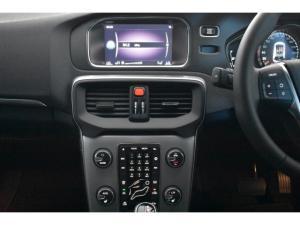 Volvo V40 T4 Inscription auto - Image 11