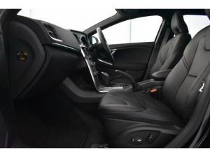 Volvo V40 T4 Inscription auto - Image 8