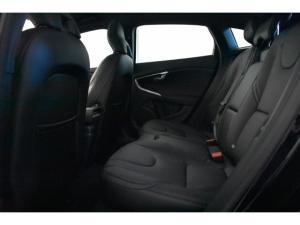 Volvo V40 T4 Inscription auto - Image 9