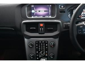 Volvo V40 T4 Inscription auto - Image 11
