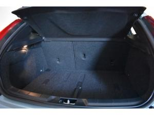 Volvo V40 T4 Inscription auto - Image 14