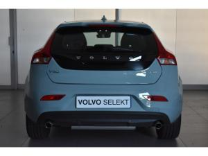 Volvo V40 T4 Inscription auto - Image 15