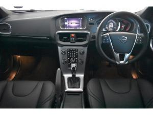 Volvo V40 T4 Inscription auto - Image 7