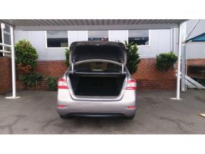 Nissan Sentra 1.6 Acenta auto - Image 5