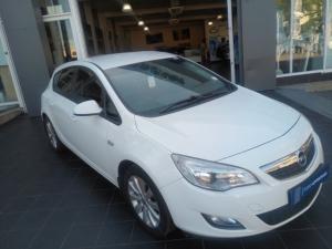 Opel Astra hatch 1.6 Essentia - Image 1