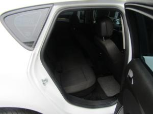 Opel Astra hatch 1.6 Essentia - Image 7