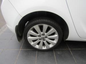 Opel Astra hatch 1.6 Essentia - Image 8