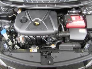 Kia Cerato hatch 2.0 EX - Image 12