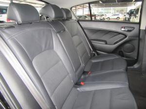 Kia Cerato hatch 2.0 EX - Image 8