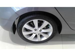 Hyundai Accent hatch 1.6 Fluid - Image 8