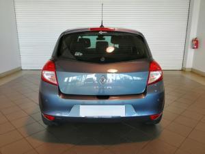 Renault Clio 1.6 Dynamique automatic - Image 4