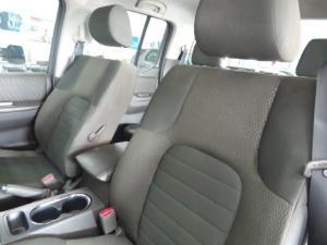 Nissan Navara 2.5dCi double cab LE - Image 10