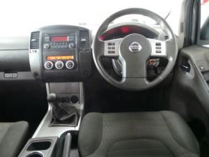 Nissan Navara 2.5dCi double cab LE - Image 6