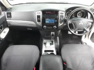 Mitsubishi Pajero 5-door 3.2DI-D GLS - Image 5