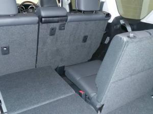 Toyota Land Cruiser Prado 3.0DT VX-L - Image 10