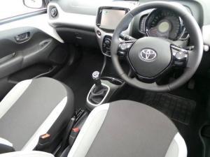 Toyota Aygo 1.0 - Image 6