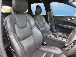 Volvo XC60 D5 AWD Momentum - Image 4