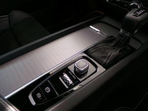 Volvo XC60 D4 AWD R-Design - Image 12