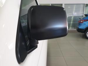Nissan Hardbody NP300 2.5 TDi LWBS/C - Image 14