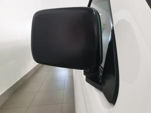 Nissan Hardbody NP300 2.5 TDi LWBS/C - Image 15