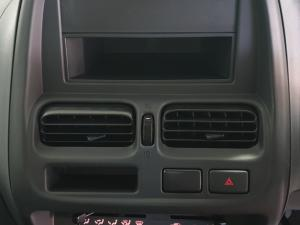 Nissan Hardbody NP300 2.5 TDi LWBS/C - Image 20