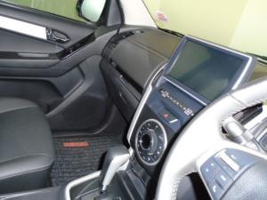Isuzu D-MAX 300 LX automatic D/C - Image 21