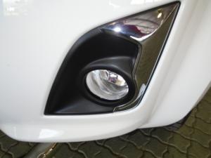 Isuzu D-MAX 300 LX automatic D/C - Image 3