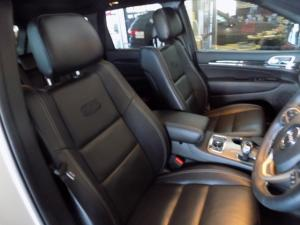 Jeep Grand Cherokee 3.0L V6 CRD O/LAND - Image 9