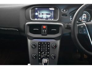 Volvo V40 Cross Country D3 Inscription - Image 11
