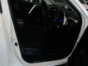 Toyota RAV4 2.0 GX - Image 6
