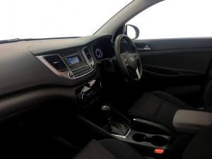 Hyundai Tucson 2.0 Premium automatic - Image 11