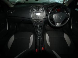 Renault Sandero 900T Stepway - Image 8