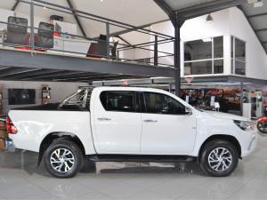Toyota Hilux 4.0 V6 double cab Raider - Image 10
