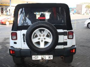 Jeep Wrangler Unlimited 3.6L Sahara - Image 3