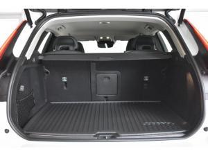 Volvo XC60 T6 AWD Momentum - Image 14
