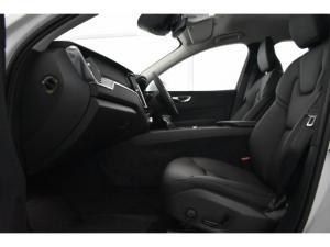 Volvo XC60 T6 AWD Momentum - Image 8