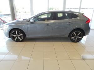 Volvo V40 T4 Inscription auto - Image 3