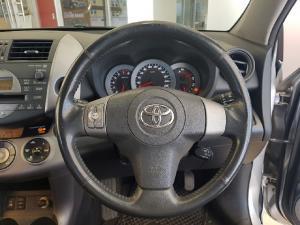 Toyota RAV4 2.0 VX auto - Image 5