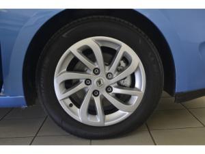 Renault Megane 1.6 Expression - Image 8