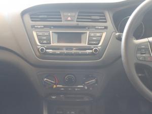 Hyundai i20 1.2 Fluid - Image 16